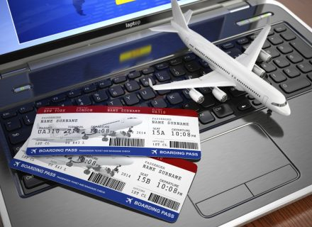 Kapan Sebaiknya Beli Tiket Pesawat Medan Bandung?